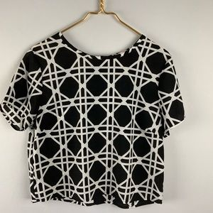 Agaci Black White Geometric Back Zip Top L